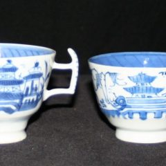 CUPS-TEA (Wishbone Handle, Straight Line Border)