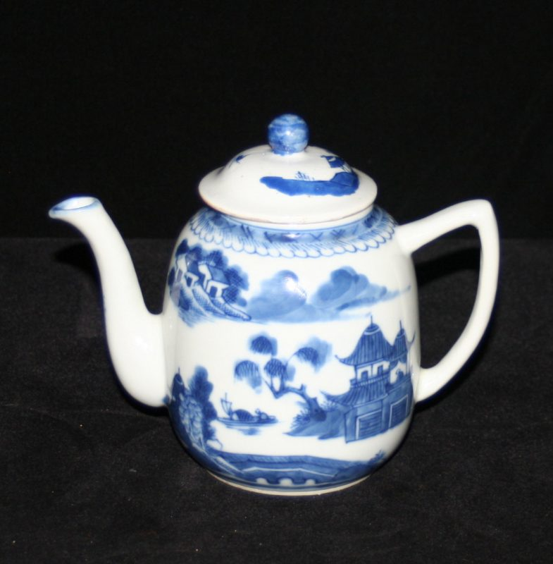 TEAPOTS-FLAGS-BARREL SHAPE (Curved Spout, Angled Handle, Late)