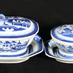 TUREENS-SOUP-OCTAGONAL (Feather Knob, Boar's Head Handles)